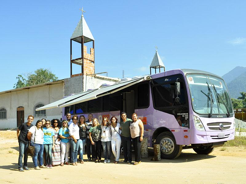 Ônibus de atendimento à mulher chega a Angra (Foto: Luiz Eduardo de Araujo)